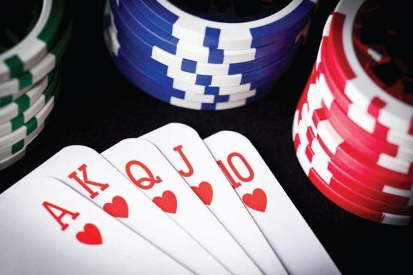 There are many rules of Poker Etiquette to follow